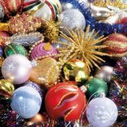 открытка цветные шары новогодняя